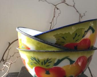 VINTAGE HOME...four { 4 } enamel metal bowls - fall decor wedding party supplies - green orange white red