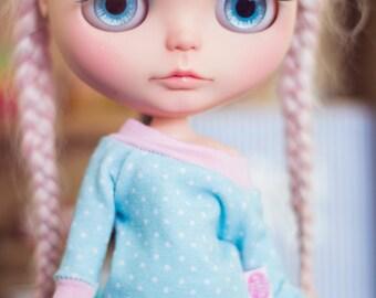 Dotty Blue sweater for Blythe dolls