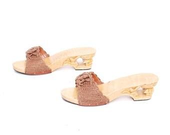 size 9 PLATFORM tan woven 60s 70s WOOD sculptured CLOG sandals