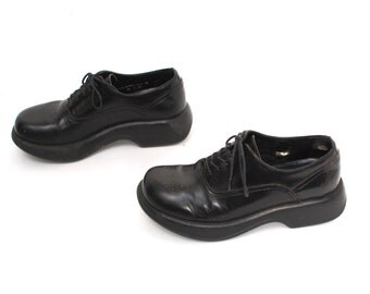 size 8.5 GRUNGE black leather 80s 90s CHUNKY platform lace up OXFORDS ankle boots