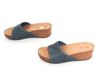 size 8 PLATFORM blue leather 80s 90s WEDGE peep toe slip on SLIDES mules sandals