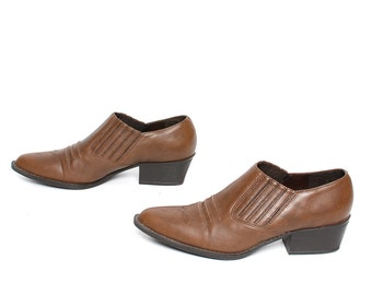 size 8 CHELSEA brown leather 80s 90s WESTERN high heel slip on ankle boots