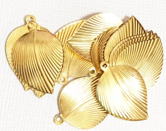 20 pcs of gold  stamp leaf charm, gold leaf drops,  stamped leaf charm, stamped leaf pendant 15x22mm