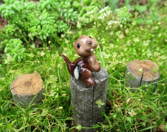 Vintage NOS Hagen-Renaker Baby Chipmunk  Fairy Garden Collectables