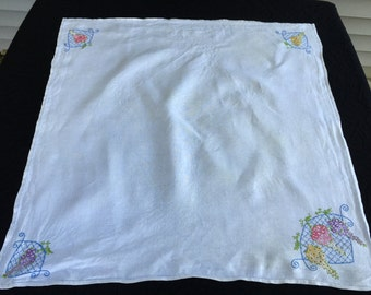 Vintage Hand Embroidery Floral Linen Luncheon Cloth/Tablecloth