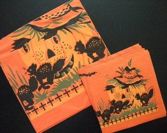 Vintage Halloween Tablecloth and 8 Napkins Jack O Lantern and Black Cats