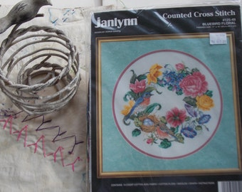 BLUEBIRD Floral Embroidery Kit Vintage Needlecraft Counted Cross Stitch Janlynn Great Gift
