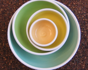 Pottery Nesting Bowls - Large Set of Stoneware Ceramic Bowls in Spring Colors