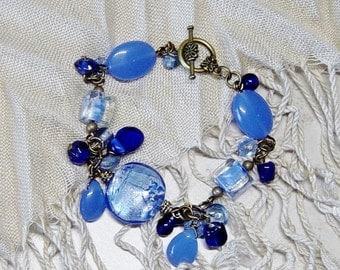 Blue Glass Bead Beacelet, Antique Brass Bracelet, Dangle  Bead Bracelet, Blue Bracelet,Boho, Bead Bracelet, Blue