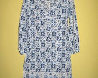 girl dress . girl hippie dress . Peasant Dress 70s . Teen Girl Peasant Dress . Blue Flower Dress . made in India