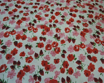 Vintage Fabric Red & Pink Floral and Strawberries, 1950s Cotton 3-5/8 yards, 36 inches wide