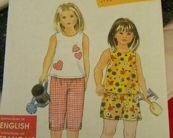 Simplicity SO Easy, Shorts, Capris and Top Pattern #8609 Uncut Multisized