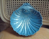 Beach cottage-Sea Shell- Soap- holder- Bathroom decor- vintage- silver plate- hand painted- Soaps- Sponge- blue lagoon- Bath- Guest towels