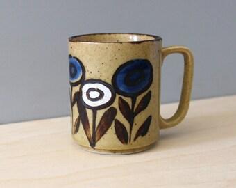 Blue flowers. Vintage 1970s stoneware mug.