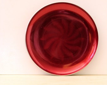 Vintage 1950s Olden of Norway red enamel plate, sunburst pattern.