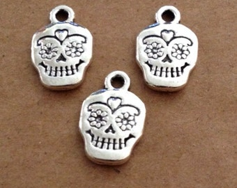 10 Sugar Skull Scull / Day of the Dead / Dia de Los Muertos Charms  - 2 sided - Antique Silver - SC173 #GE