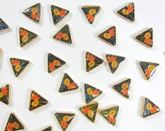 27 Vintage Floral Triangle Flatbacks