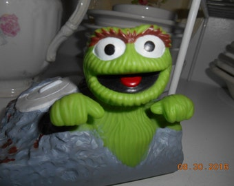 Vintage Sesame Street Oscar the Grouch plastic figure