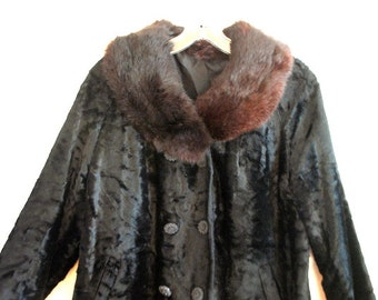 Luxurious vintage 60s black plush cropped jacket with a dark brown rabbit fur collar. Size M.