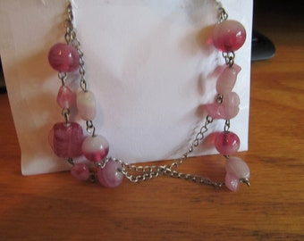 swirl pink beaded necklace