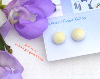 192 Fused glass earrings, off white, almond
