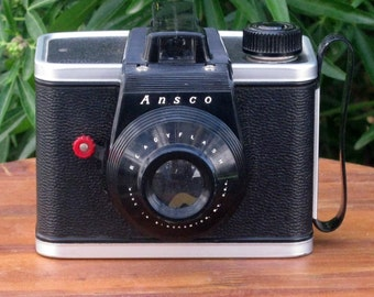 Vintage Ansco Readyflash 620 Film Camera
