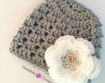 Newborn girl beanie.. Flower hair clip.. Photography prop.. Ready to ship