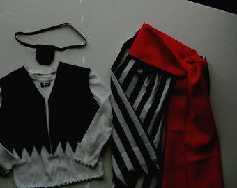 Pirate costume, 4 pcs., Sz 1-5, pants midcalf jagged, sash, blk vest, eye patch.
