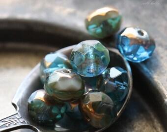 sale .. DRIFT .. 10 Premium Picasso Czech Glass Beads 6x8-9mm (4757-10)