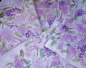 beautiful vintage hand embroidered wisteria tablecloth 40x40 inches