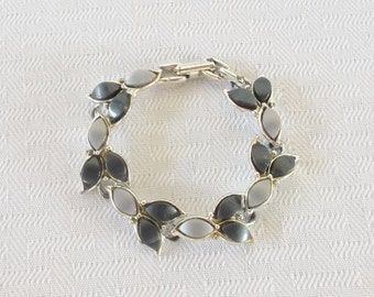 1950s Vintage Blue and Gray Thermoset Bracelet