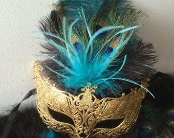 Elegant Peacock and Ostrich Feater Mask in Teal, Black and Gold