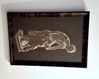 Royal Sepia Print Framed, Madrassi Broderkyssen, Brother Kiss Mother & Children sculpture, Sweden vintage