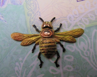 Bee Pin Bumble Bee brooch Vintage Honey bee Tie Tack verdigris and bronze MyElegantThings