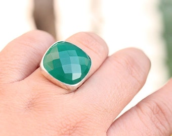 Faceted ring - Green ring - Gemstone ring - Sterling silver ring - Green Onyx ring - Bezel set ring - Gift for her