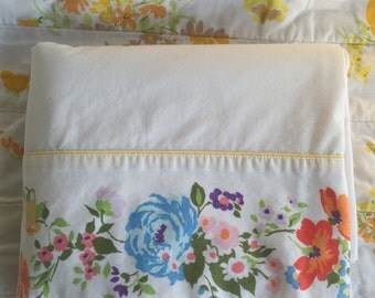 Stunning vintage sheet with bright floral trim, Full flat vintage sheet, Crisp white with bright trim