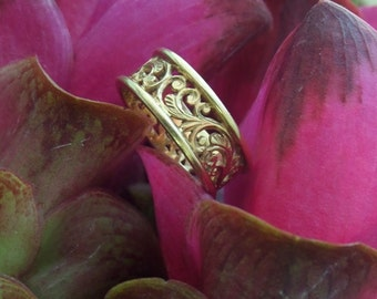 Gold Band, Carved Gold Band, Mahawan Ring in 18k Gold, Original Heart of Water Jewels Design (Made to Order)