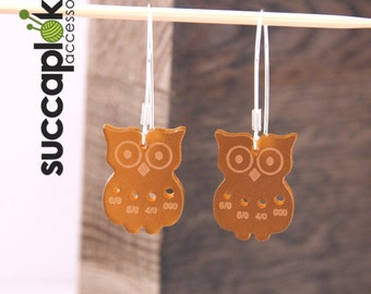Mini-Paavo earrings (Inch/Imperial), Owl shaped earrings with a gauge for tiny US knitting needles, made out of recycled plastic