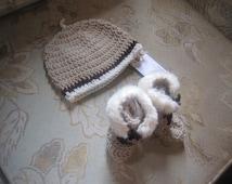 Unisex Beige Crochet Baby Cap Baby Uggs  Hi Top  Booties Set Faux Fur trim 0-  6 months