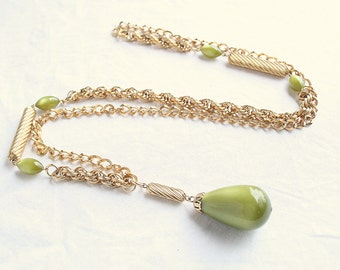 Green Teardrop Necklace Vintage Sarah Coventry Moonglow Lucite Olive Green Chunky Chain