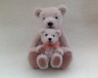 Miniature Artist Mum and Baby Bears