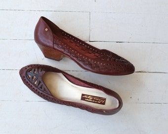 Etienne Aigner skimmers | vintage oxblood leather wedges | cutout leather wedges 9.5