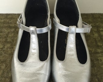 Silver Linings - 1960's Silver Metallic MARY JANES Dance Shoes