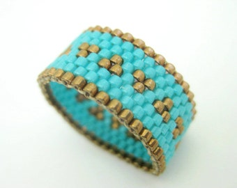 Peyote Ring / Beaded Ring in Metallic Bronze and Turquoise  / Seed Bead Ring / Size 7 Ring / Beadwoven Ring / Delica Ring / Peyote Band