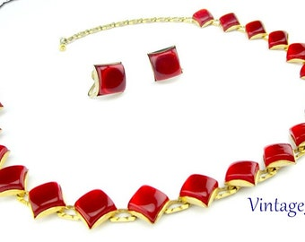 Necklace Red Lucite Moonglow Etched Links