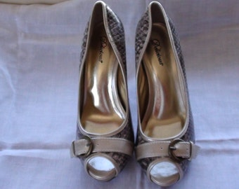 DELICIOUS Peep Toe Animal Print Patent Leather Faux  Platform Stiletto Pumps Heels SZ 8M Retired design 1990s