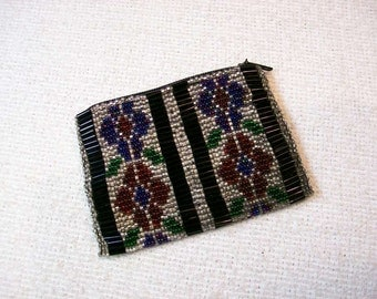 Glass Seed Bead Change Purse / 3 3/4 X 2 3/4 Inches