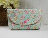 Snap Pouch, Large Snap Pouch, Cosmetic Pouch ... Chatsworth Bloom in Mint