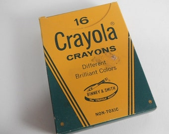 Vintage Crayola Crayons 16 Count NOS Unused 1960s Old Colors School Display Photo Prop Binney & Smith