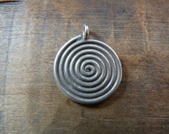 Thai Hill Tribe sterling silver spiral pendant